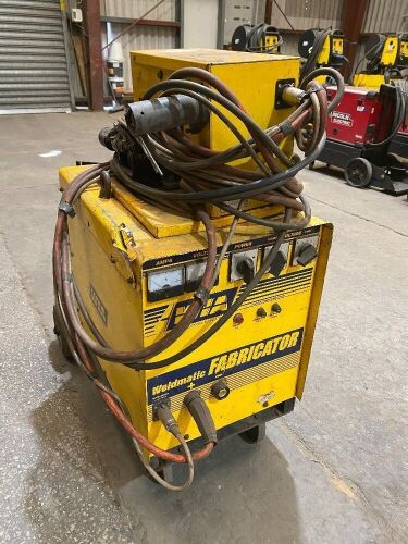 WIA Weldmatic Fabricator CP33-02 Welding Machine *RESERVE MET*