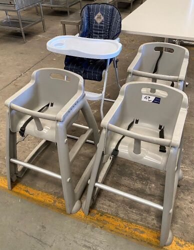 Quantity of 4 assorted High Chairs