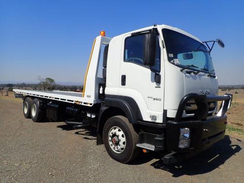 2018 Isuzu FXY 240/350 6x4, Tilt Tray (Location: Haigslea, QLD)