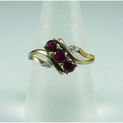 (DO NOT LOT) 18ct yellow gold created ruby & diamond set ring