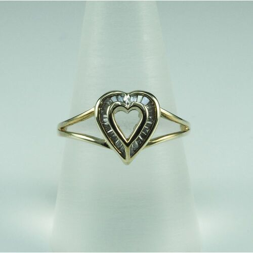 (DO NOT LOT) 9ct yellow gold diamond set ring