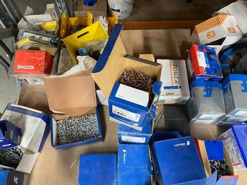 Quantity of Fasteners, Screws & Bolts