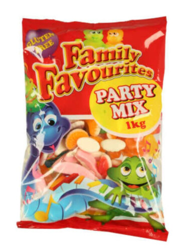 500 x 1kg bags of Family Favourites party mix comprising 50 Boxes of 10x 1kg bags per box, total 500 bags.
