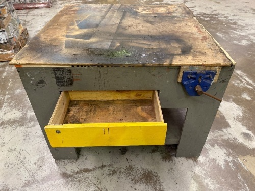 Carpenters Workbench with drawers and vice