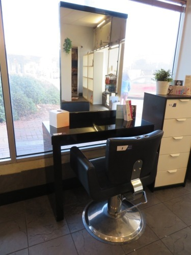 Adjustable height Hairdressing Chair upholstered in Black Vinyl with Gloss Black Console Table & Mirror